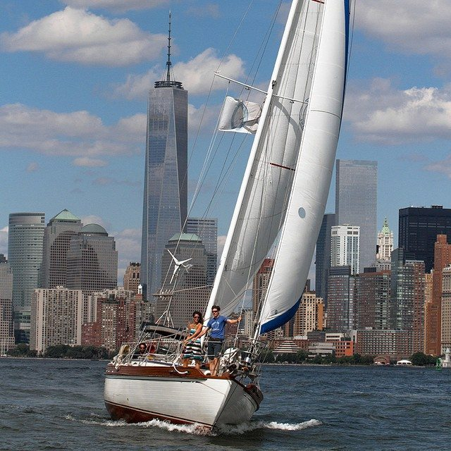The Knickerbocker Hotel's roundup of NYC yacht cruises. Photo from Narwhal Yacht Charters.