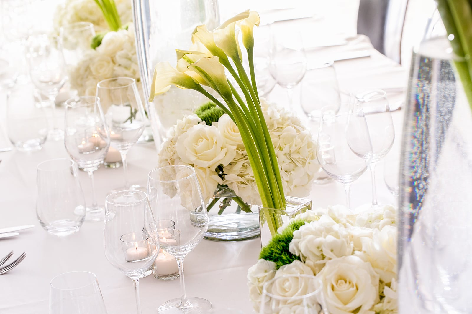Elegant floral table at Charlie Palmer at Knick