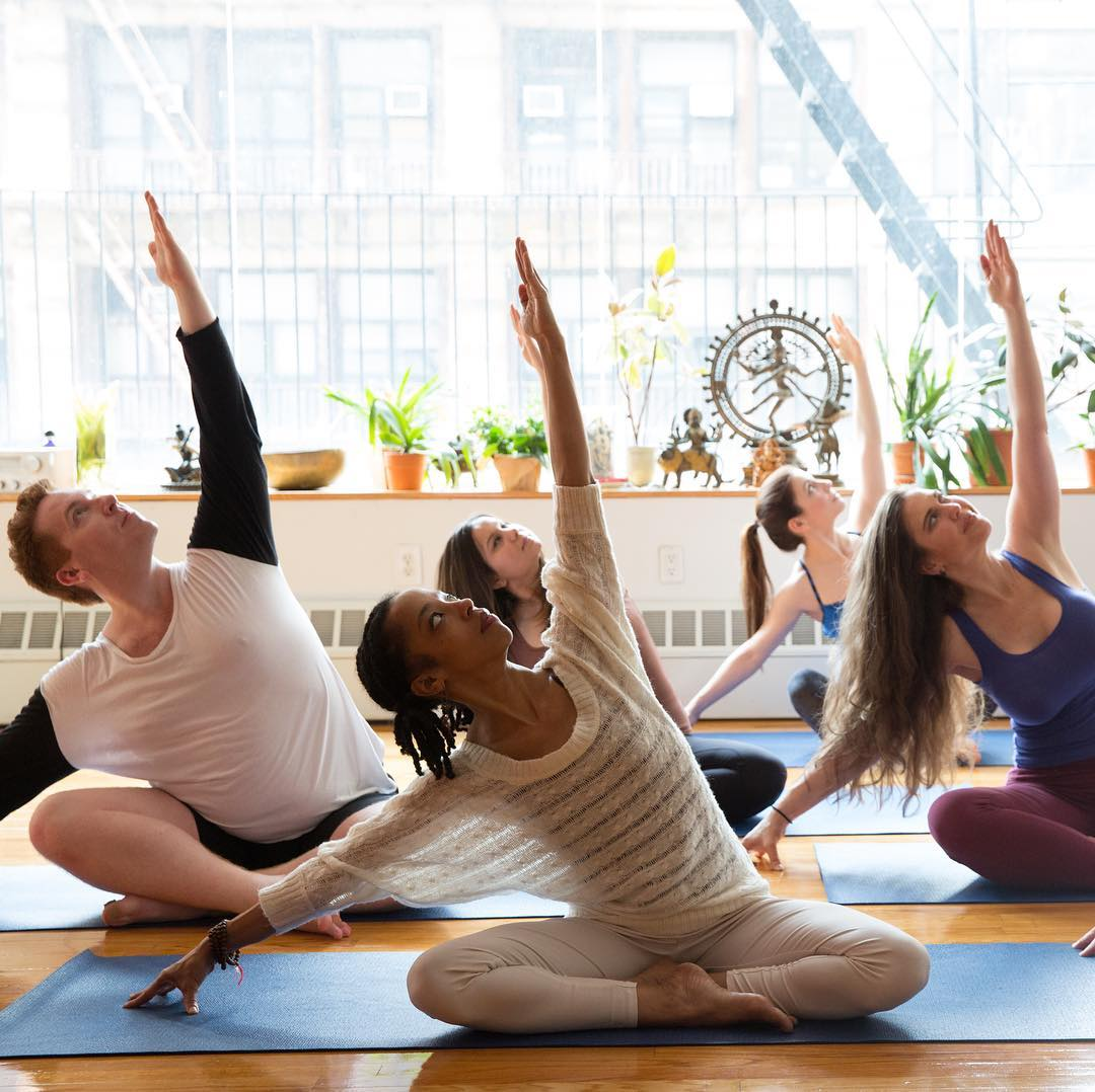 The Best Yoga Studios In Manhattan Where To Practice Yoga In Nyc